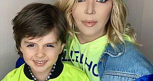 Ірина Білик замовила біометричний паспорт маленькому сину